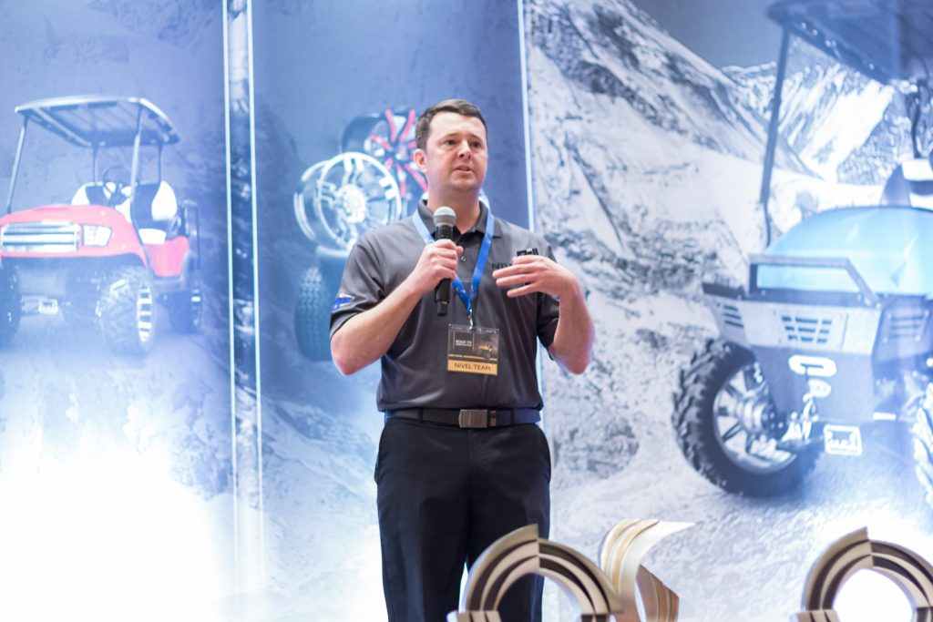 Nivel's Vice President of Specialty Vehicles Sales, Benjamin Knox, presented dealer awards including